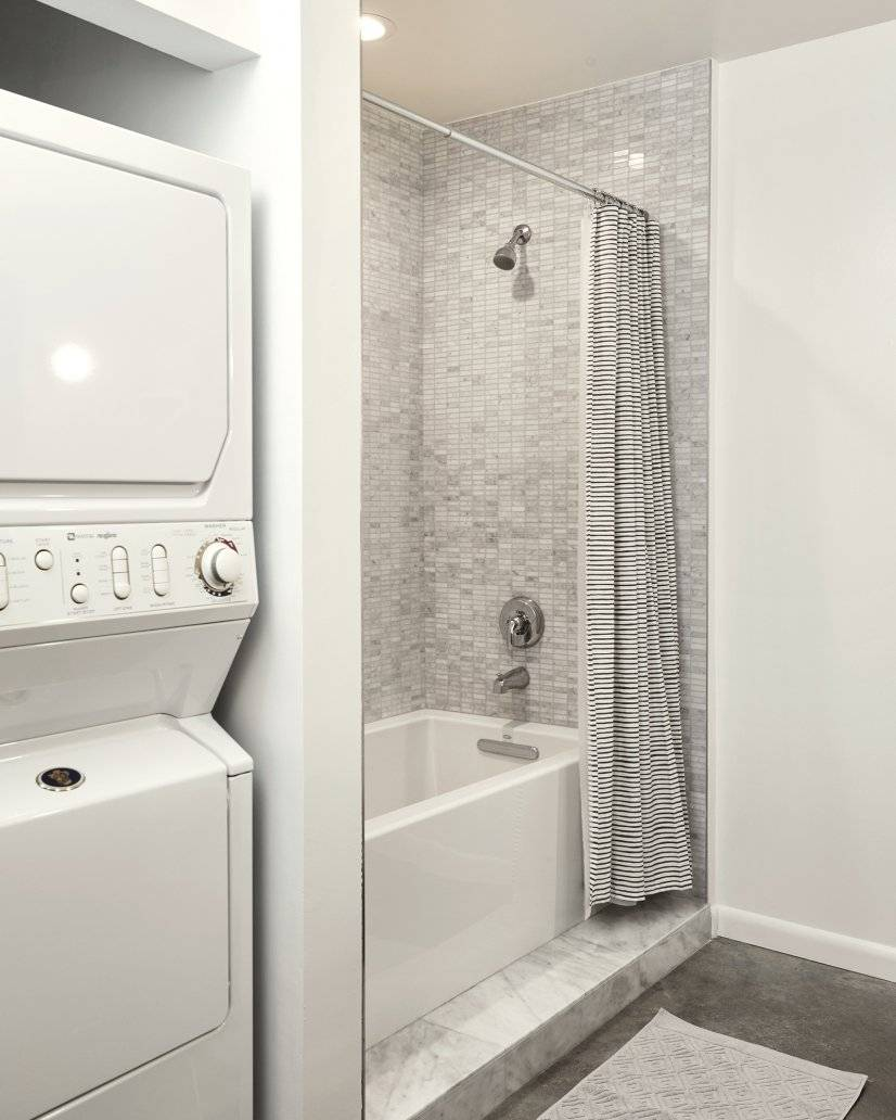 Laundry & Bathroom with Soaking Tub