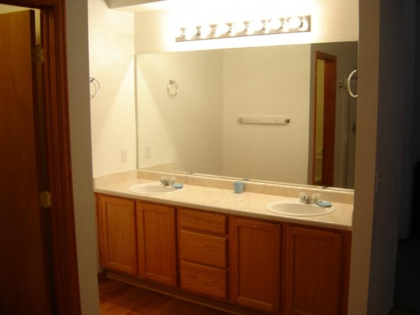 5 Piece Upper Level Master Bathroom 3 of 3