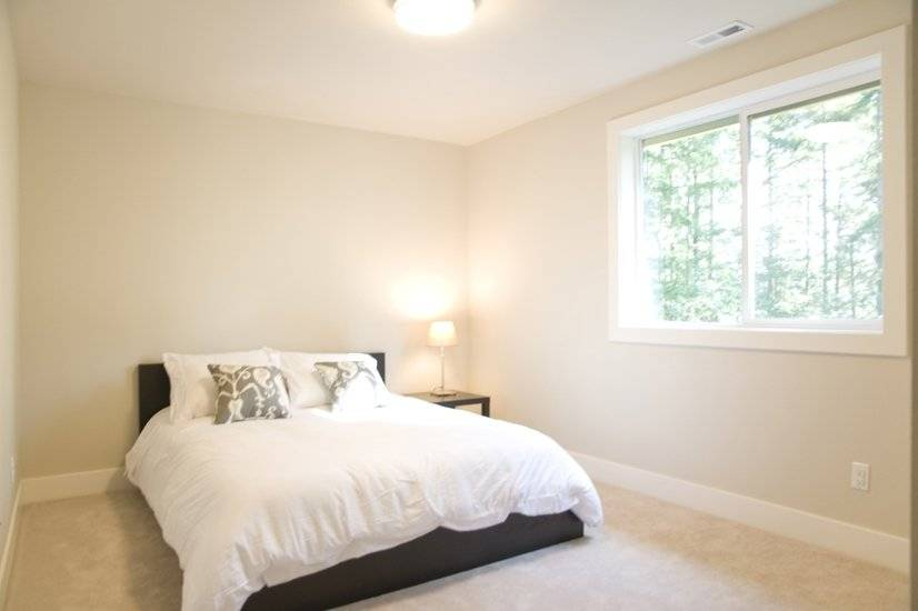 image 11 furnished 5 bedroom House for rent in Sammamish, Seattle Area