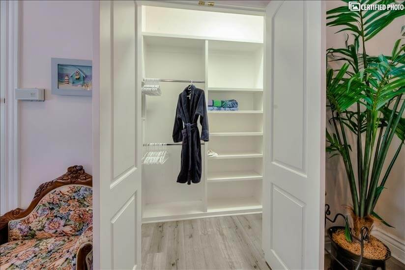 Spacious Closet with multiple Hangers, Extra