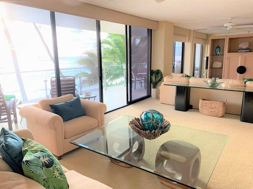 Oceanfront spacious living room and TV room