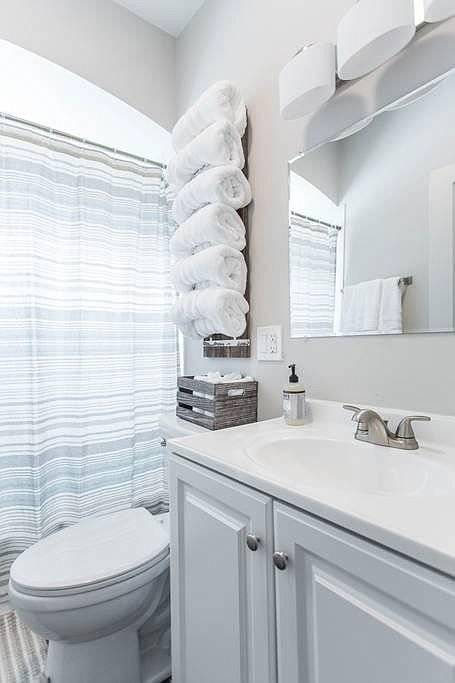 image 13 furnished 3 bedroom Apartment for rent in Libertyville, North Suburbs