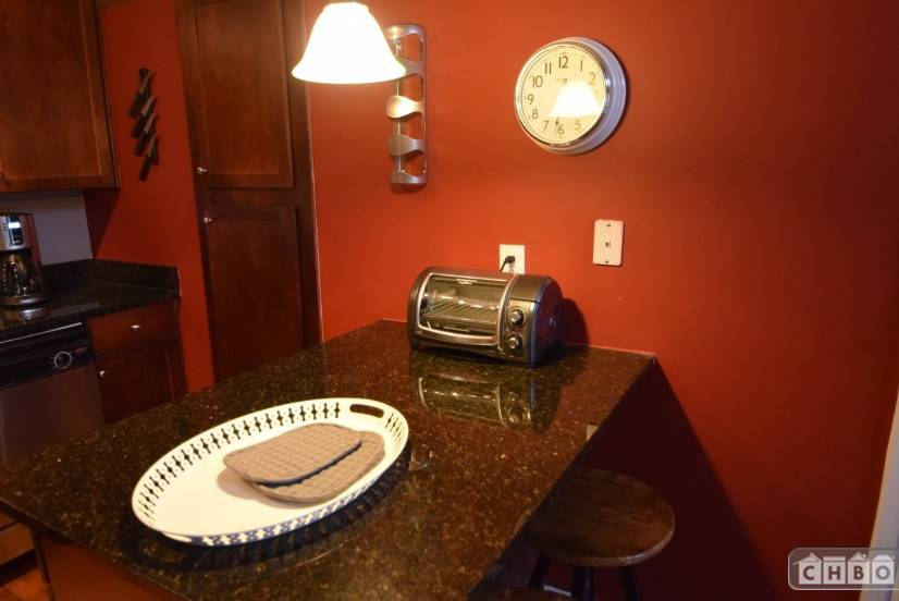 image 5 furnished 2 bedroom Townhouse for rent in Buckhead, Fulton County