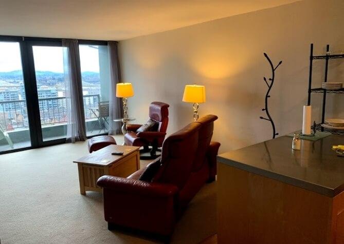 image 2 furnished 1 bedroom Townhouse for rent in Portland Southwest, Portland Area