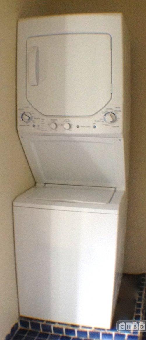 Washer Dryer on 2nd floor.