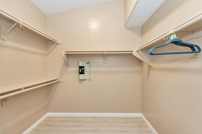Master Closet/Built-in Safe
