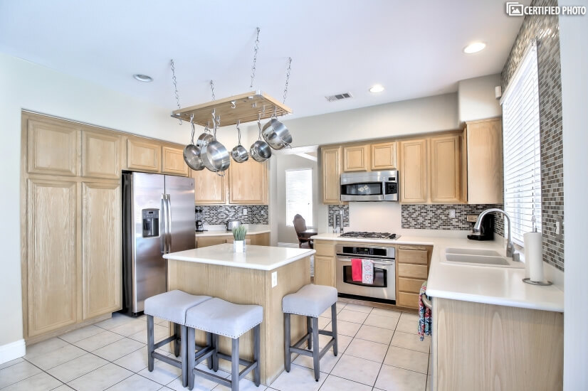 image 8 furnished 5 bedroom House for rent in Paradise, Las Vegas Area