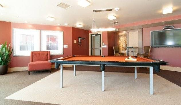 Gaming room with billiards, cable TV, free wi-fi.