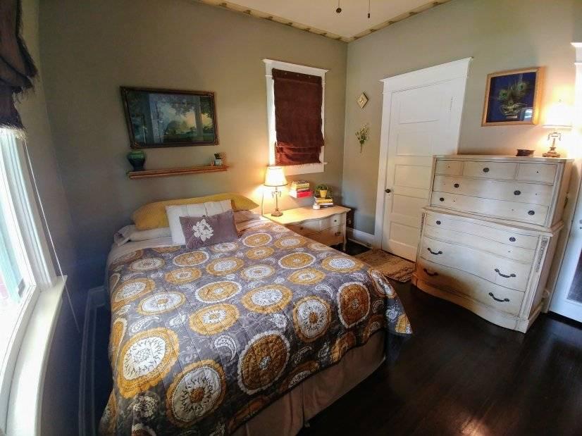 Master bed (upstairs)
