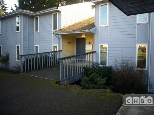 image 12 furnished 2 bedroom Townhouse for rent in Kirkland, Seattle Area