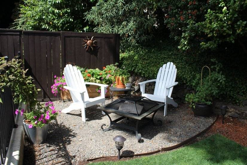 Cozy outdoor space for coffee or wine