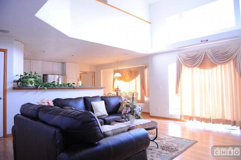 image 9 furnished 4 bedroom House for rent in Sterling Hills, Aurora