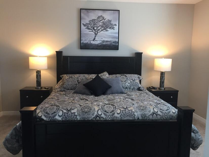 Master bedroom with California King Tempur-Pe