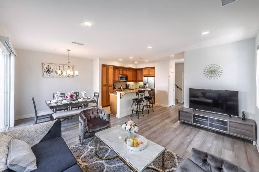 image 9 furnished 4 bedroom House for rent in Van Nuys, San Fernando Valley