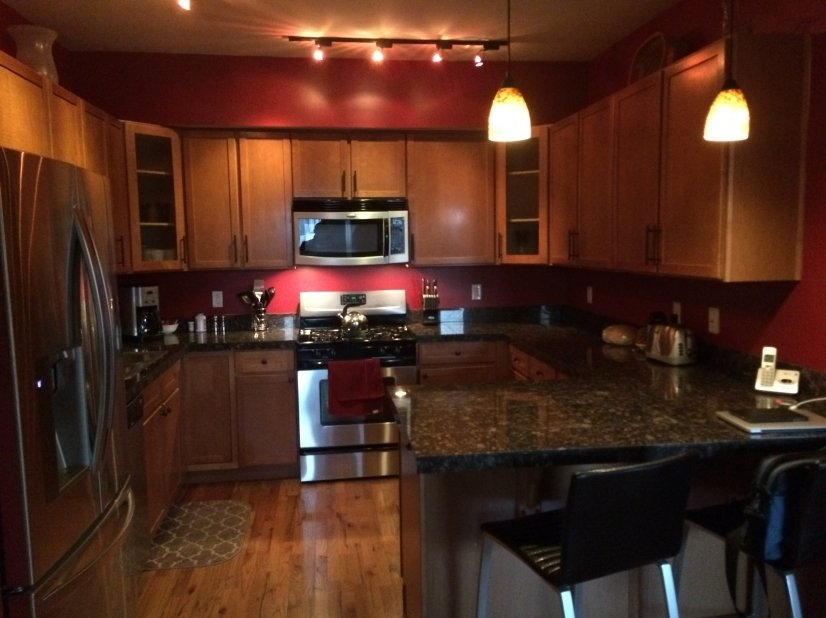 Fully Equipped Kitchen stainless steal appliances