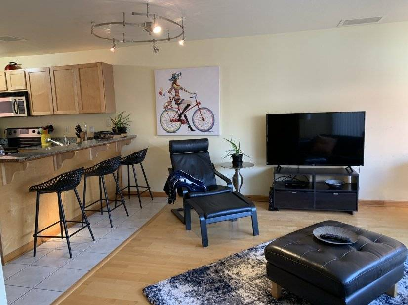 living space/bar