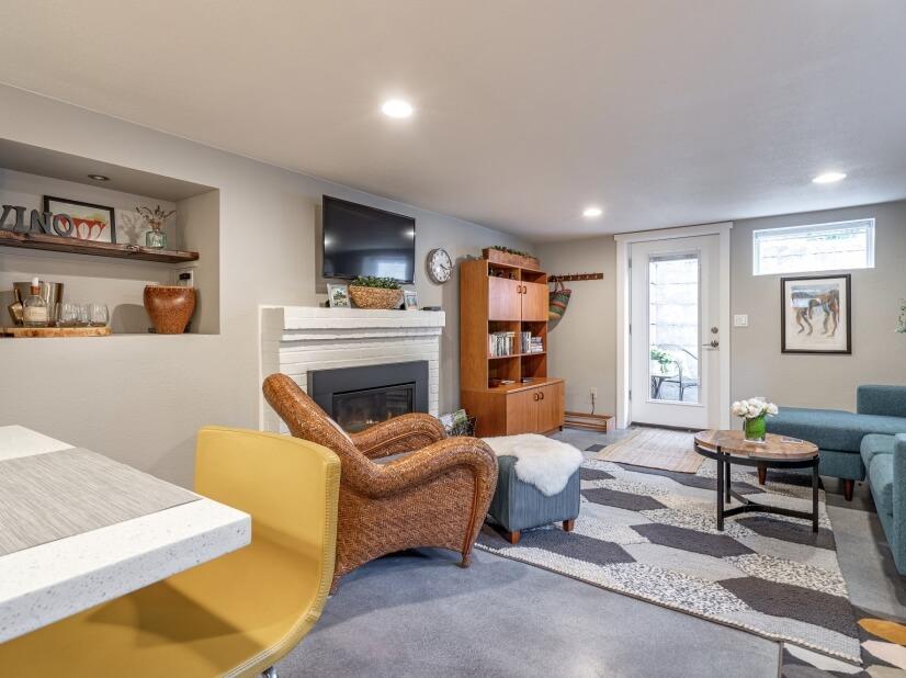 image 6 furnished 1 bedroom Apartment for rent in Portland Southwest, Portland Area