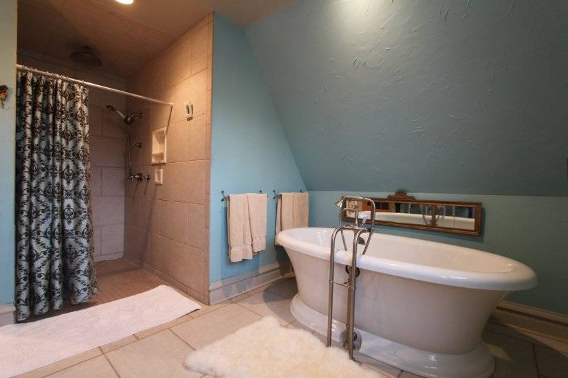 image 8 furnished 3 bedroom House for rent in Glen Ellyn, West Suburbs