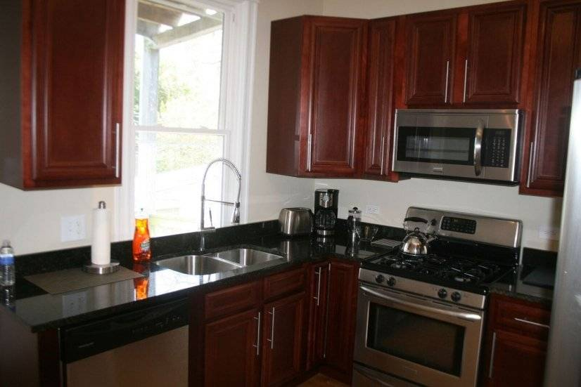 image 3 furnished 3 bedroom Apartment for rent in North Center, North Side