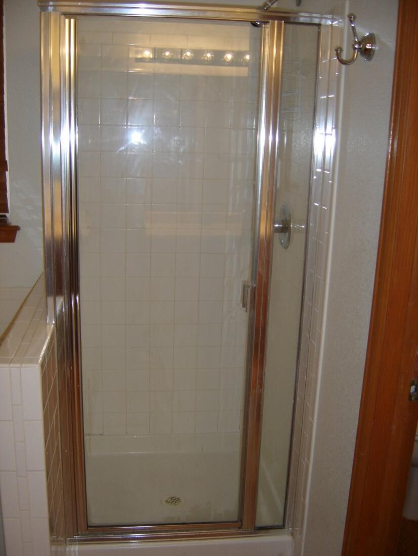 5 Piece Upper Level Master Bathroom 1 of 3
