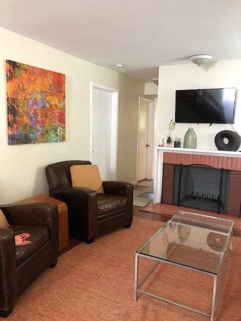 image 5 furnished 2 bedroom Townhouse for rent in Oakland Suburbs East, Alameda County
