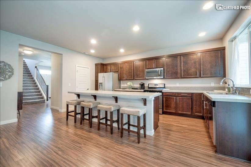 image 15 furnished 4 bedroom House for rent in Puyallup, Seattle Area