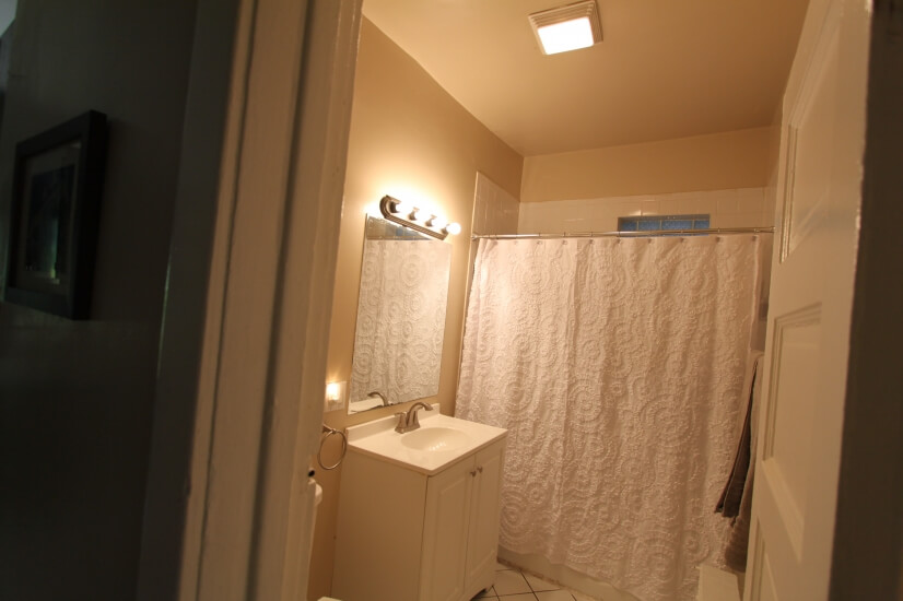image 6 furnished 2 bedroom Apartment for rent in Oak Park, West Suburbs