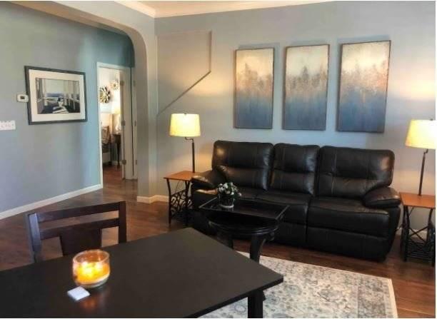 1st Fl Apt. Living Room