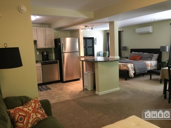 Bright and Spacious / Fully Renovated