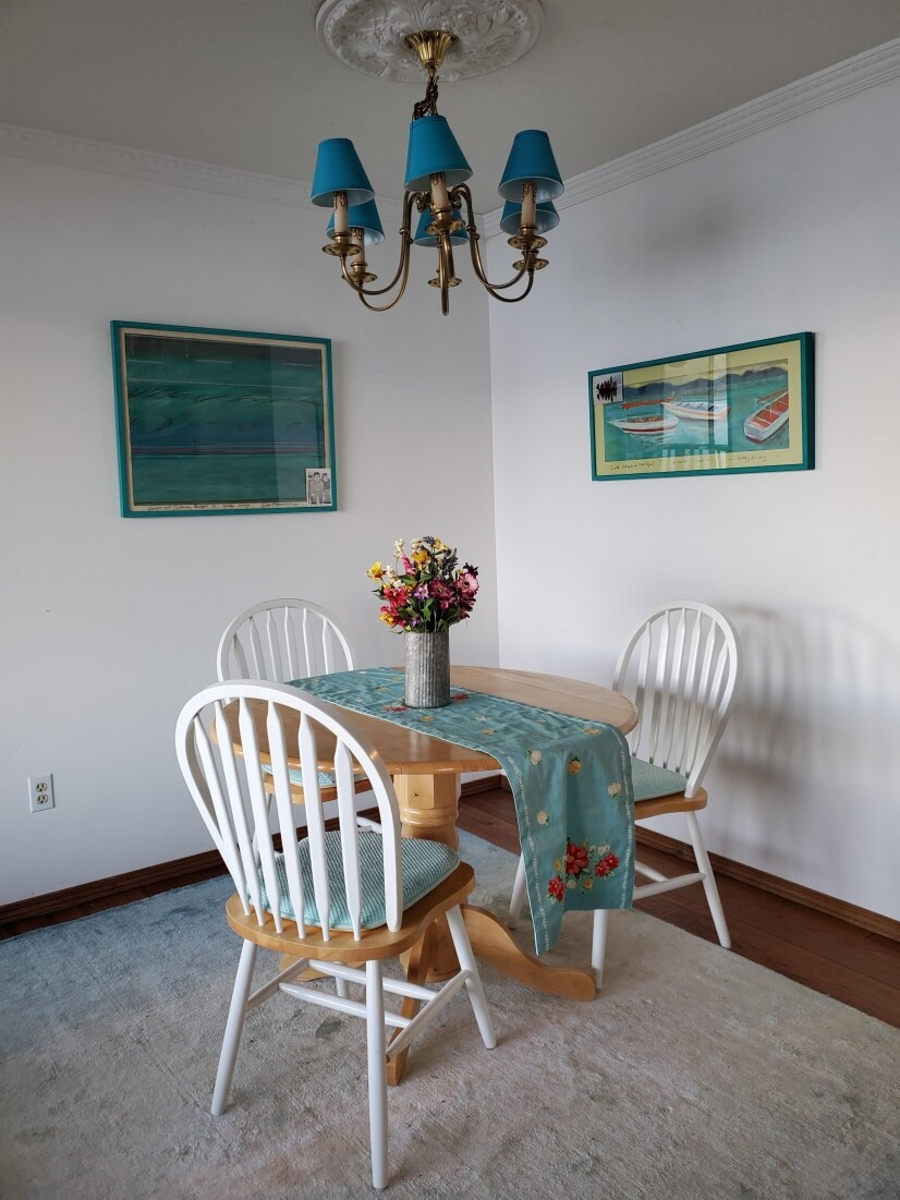 Eating area in dining room