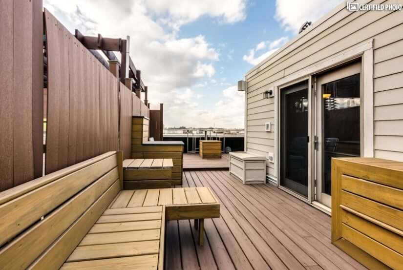 Spacious Roof Top Deck w/custom finish