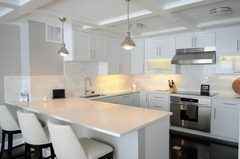 image 2 furnished 1 bedroom Townhouse for rent in Lakeview, North Side