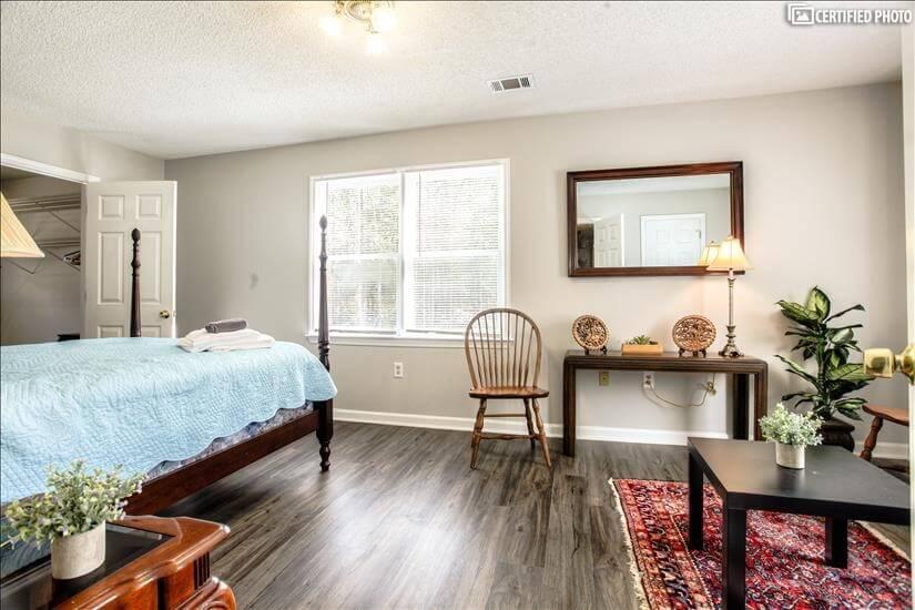 5 bedroom upstairs overlooking woods.