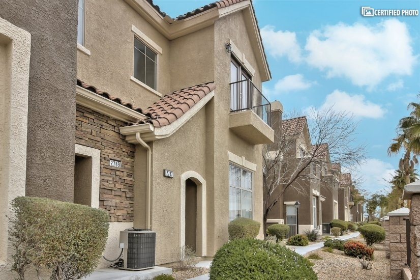 image 3 furnished 2 bedroom Townhouse for rent in Henderson, Las Vegas Area