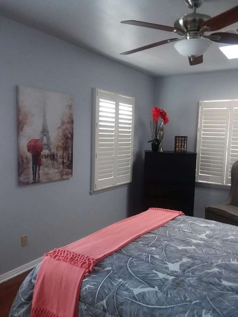 Master bedroom has walk-in closet & en suite with jetted tub