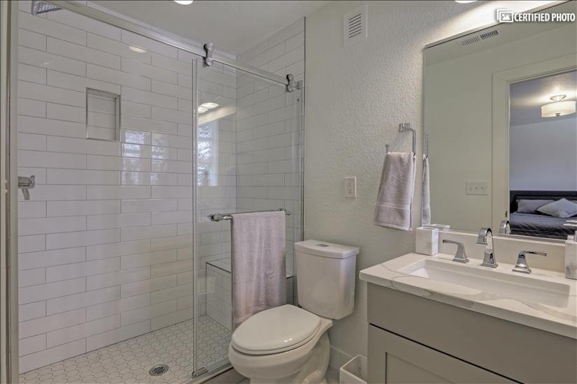 Master On-Suite Bathroom