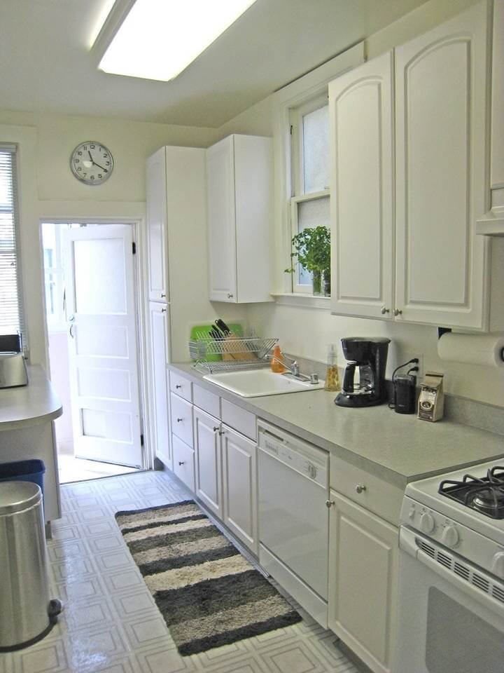 Fully-equipped kitchen w/ dishwasher, microwave, coffee