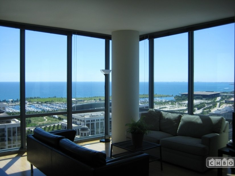 image 5 furnished 2 bedroom Townhouse for rent in Loop, Downtown
