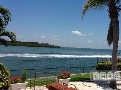 image 8 furnished 5 bedroom House for rent in St Petersburg, Pinellas (St. Petersburg)