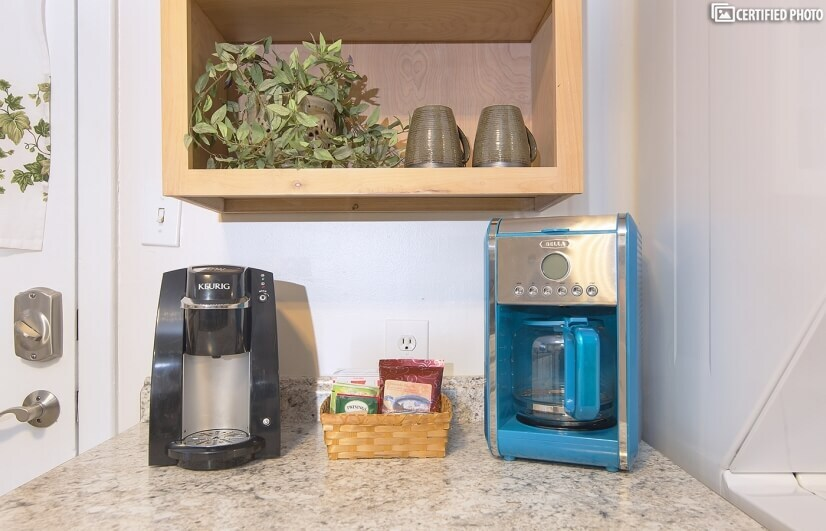Keurig & 12-Cup Coffee Makers