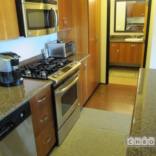 image 4 furnished 2 bedroom Townhouse for rent in Park West, Central San Diego