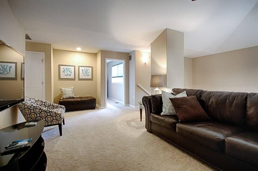 Upstairs Living Room / Loft Area