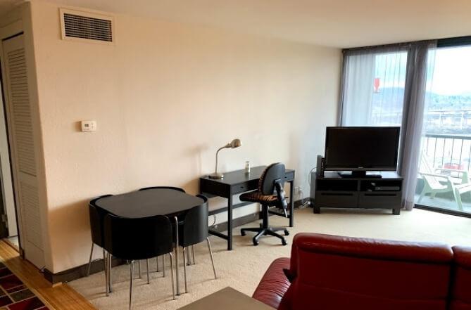 image 3 furnished 1 bedroom Townhouse for rent in Portland Southwest, Portland Area