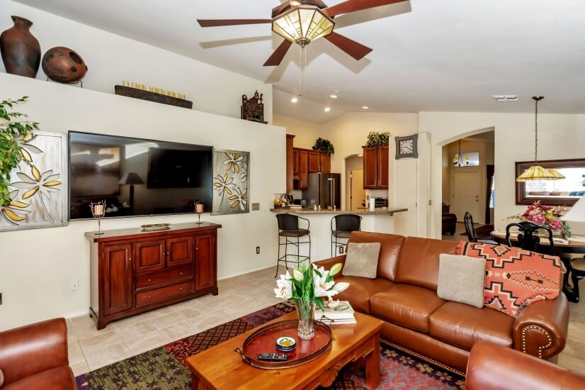 Open concept: kitchen, dining and family room