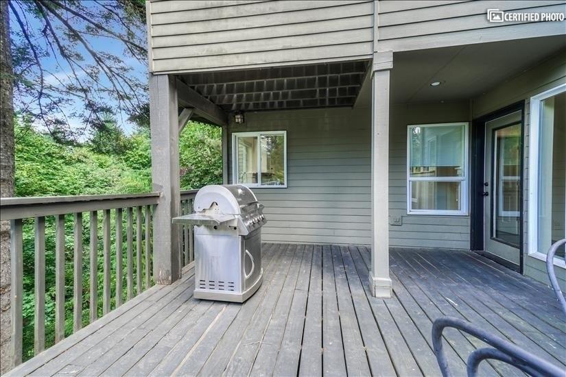 image 15 furnished 5 bedroom House for rent in West Linn, Portland Area