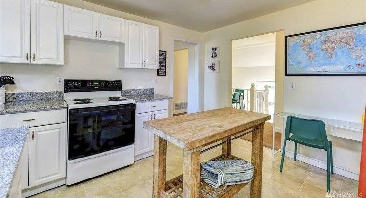 image 6 furnished 2 bedroom Townhouse for rent in Capitol Hill, Seattle Area