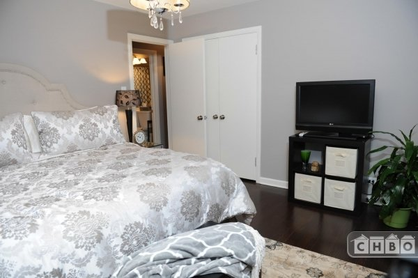 image 10 furnished 4 bedroom House for rent in Westchester, West Suburbs