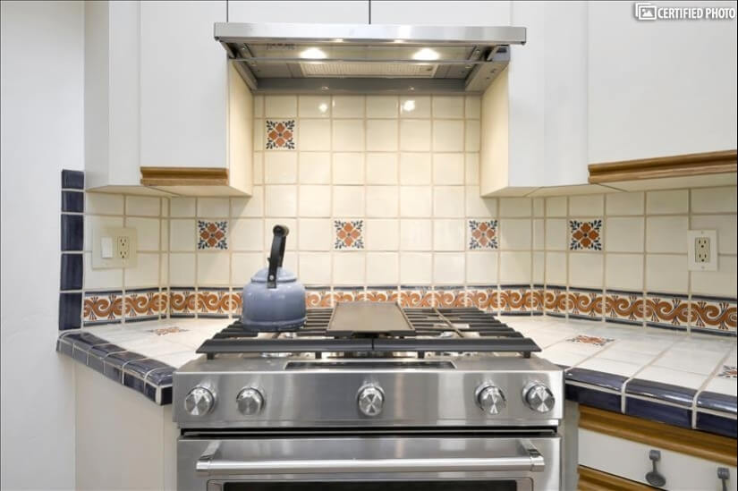 Gas Range with Overhead Vent