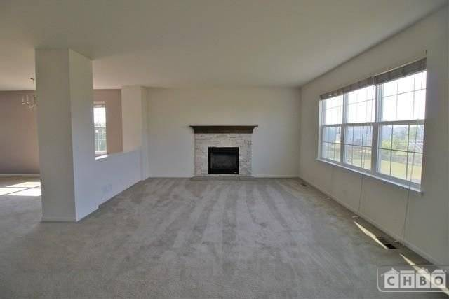 image 4 furnished 5 bedroom House for rent in South Elgin, Kane County