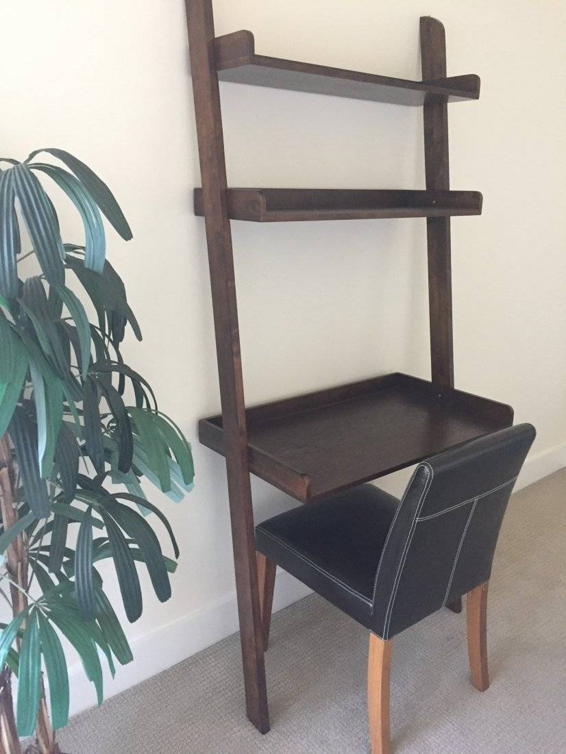 Small desk in 2nd bedroom